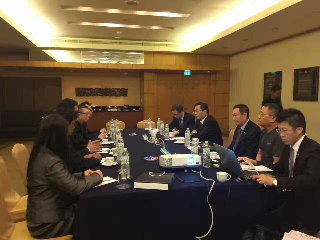 新加坡总理李显龙回应中新贸易问题-热点新加坡